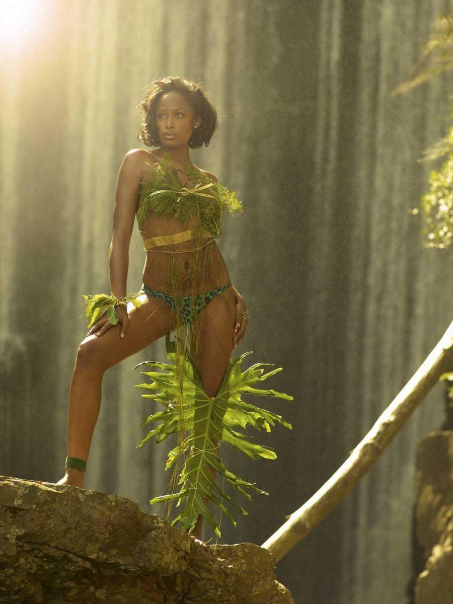 Негритянки в джунглях