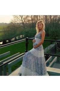 Беременная Наташа Поли