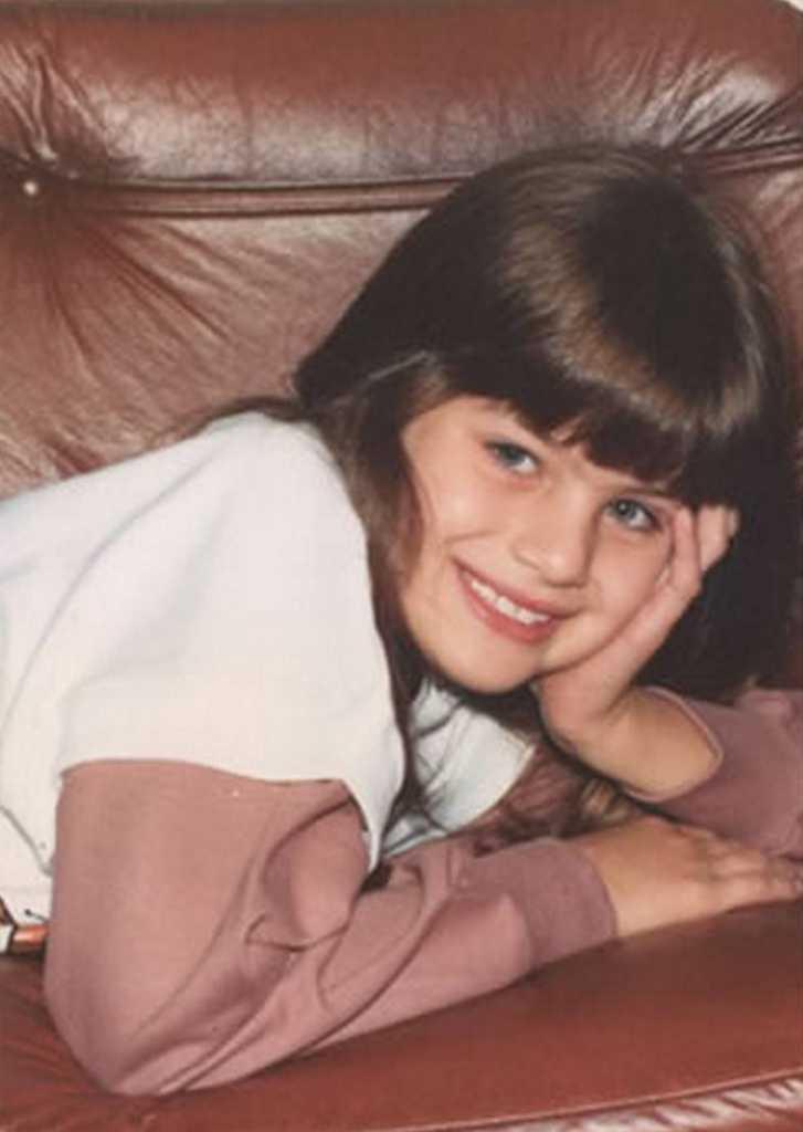 Изабели Фонтана детство