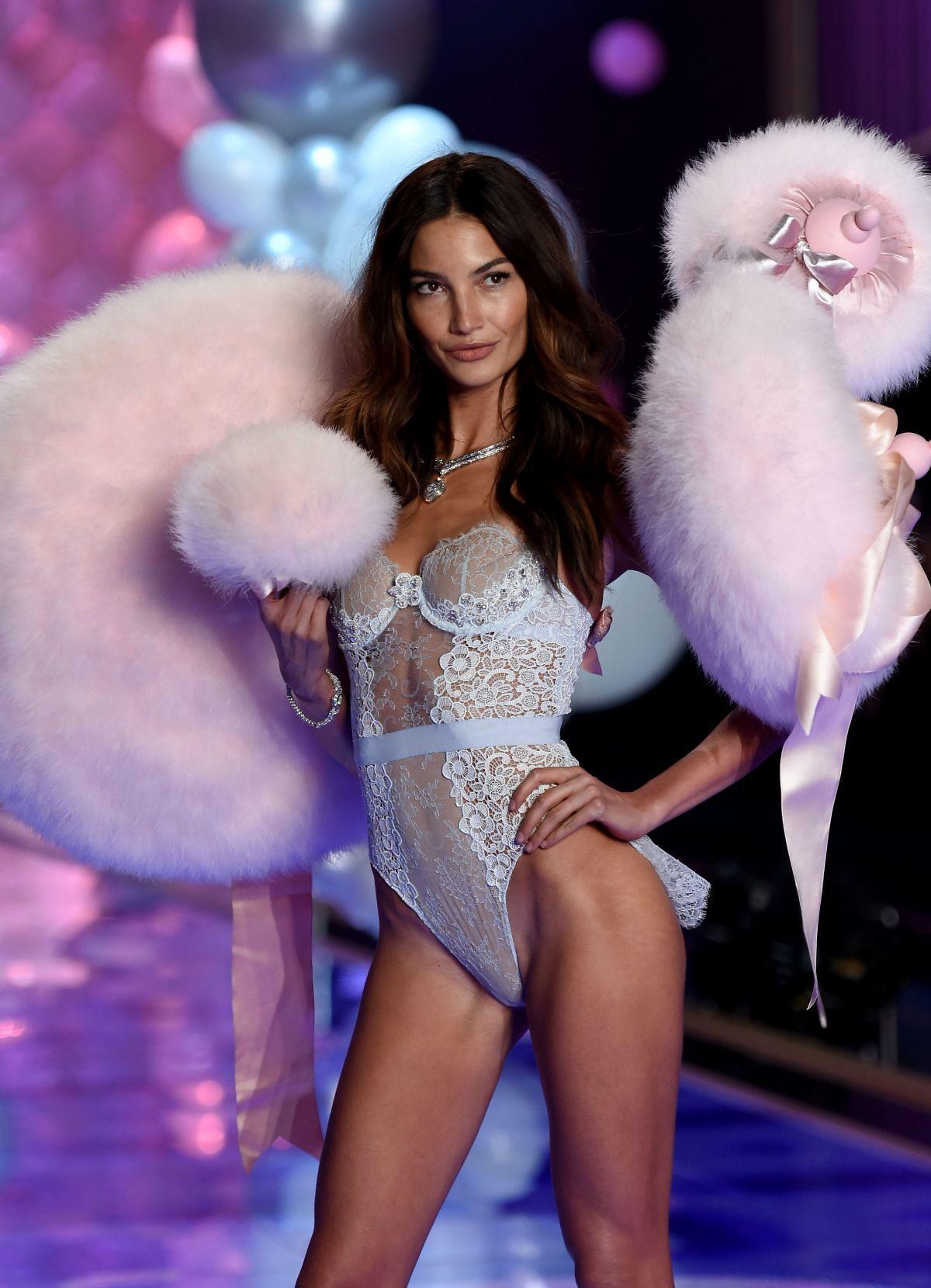 Лили Олдридж ангел Victorias Secret