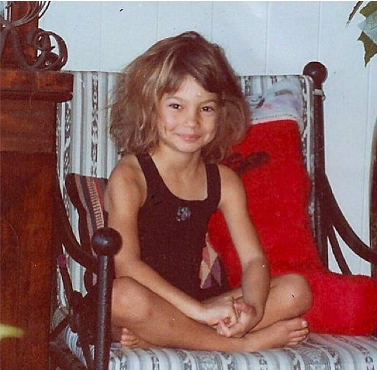 Лили Олдридж в детстве