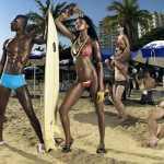 Тейона фотосессия на людном пляже 12 сезон