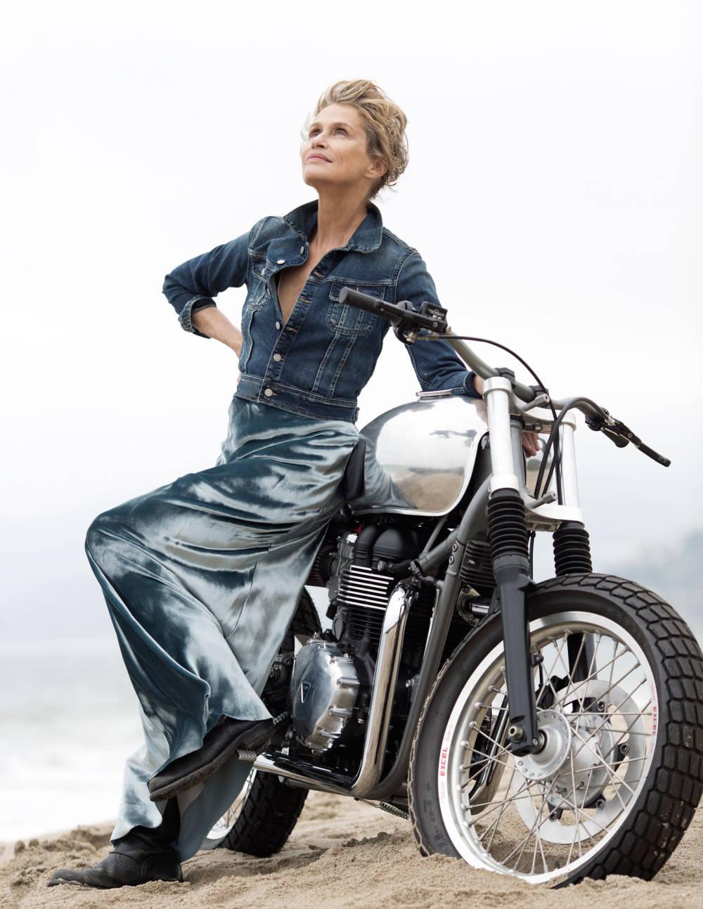 Лорен Хаттон мотоцикл