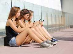 Как телефон влияет на кожу