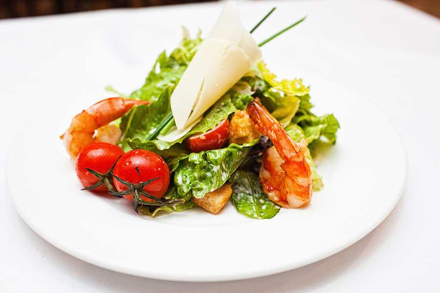 Легкий салат как в ресторане с