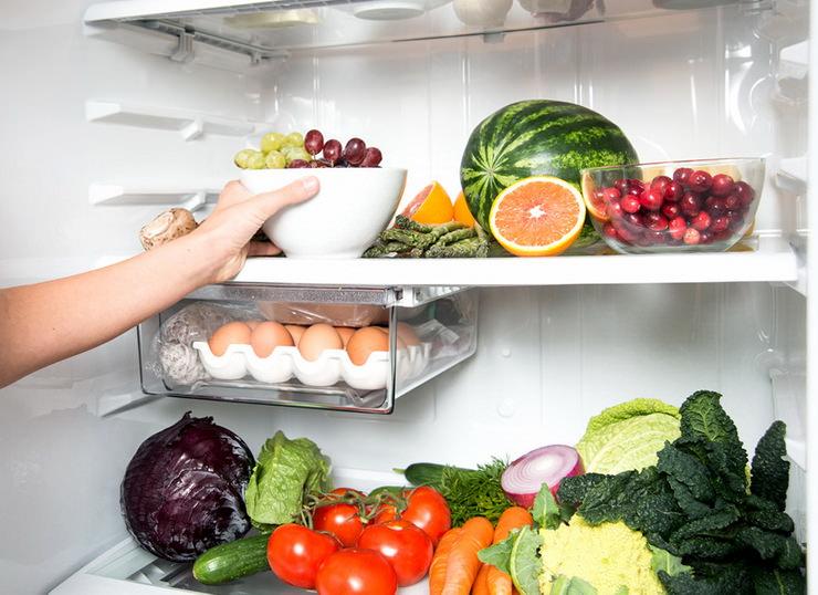 полезные продукты в холодильнике