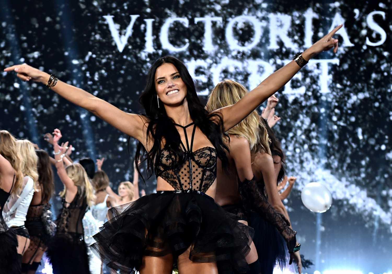 5a1f96123477d Victoria's Secret: история бренда, коллекции, модели, показы